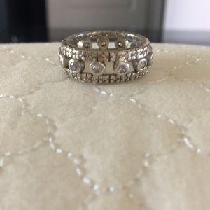 Jewelry - Beautiful faux diamond band